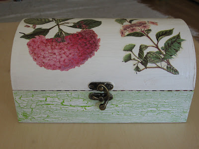 Caixa de madeira: decoupage