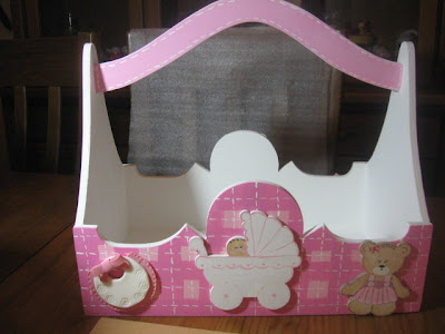 cesto de bébé em pintura decorativa