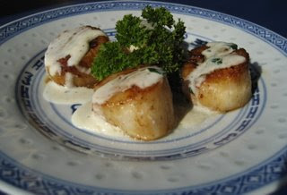 Seared Scallops with Tarragon Cream