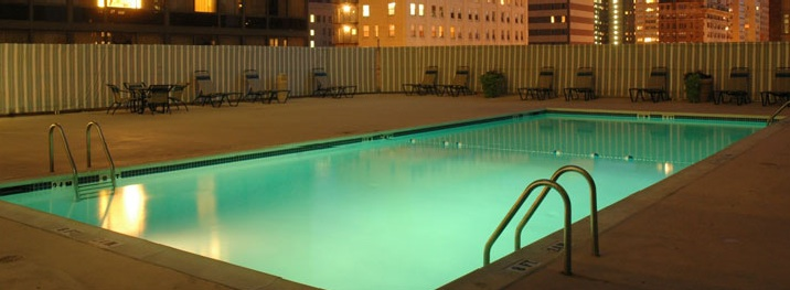 crowne plaza philadelphia rooftop pool