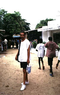 En el mercado de artesanía de Dakar