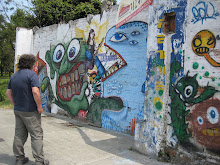 Neil Checks Out Graffiti in Medellin
