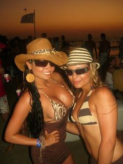 Chicas bronceadas