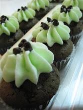 mini mint chocolate cupcakes
