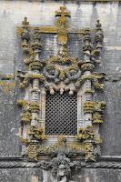 foto da janela do convento de cristo