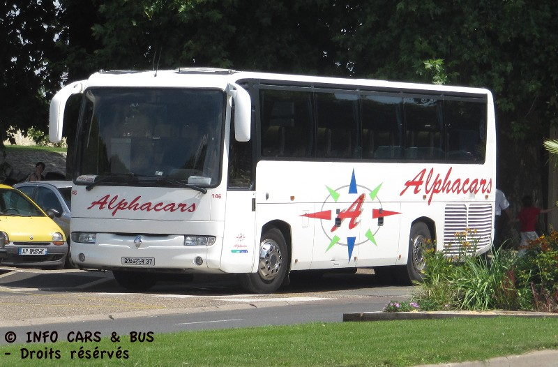 Info cars bus renault iliade alphacars 37 loches for Renault loches