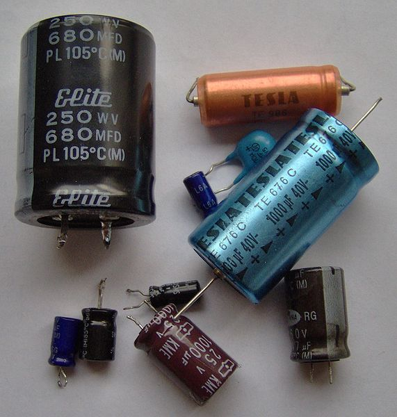 external image 571px-Electronic_component_electrolytic_capacitors.jpg