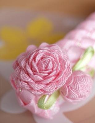 как сделать цветок из ленты для волос.