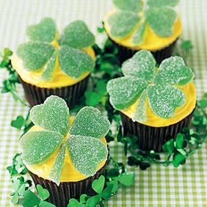 [Four-leaf+cupcake.jpg]