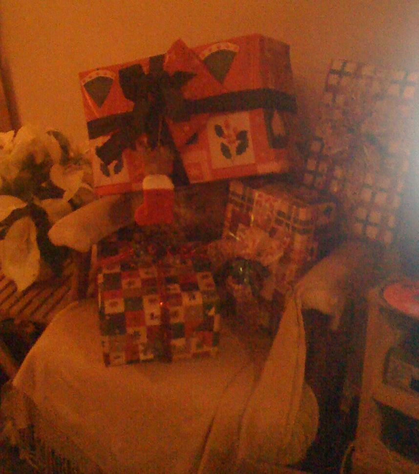 [xmas+gifts+2]