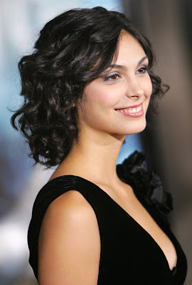 2inara010 44 Morena Baccarin Naked landed her first movie role in the improvised fashion ...