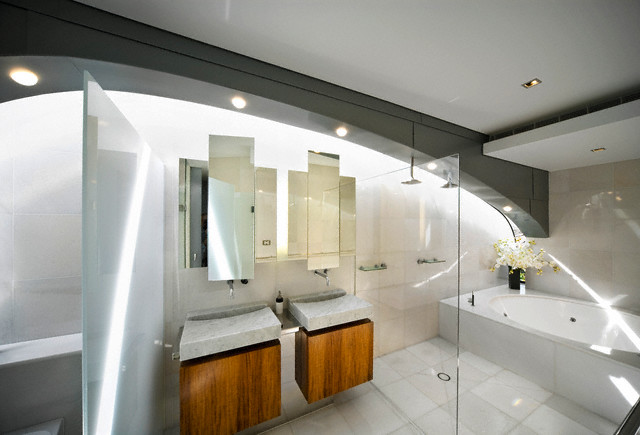 Big-luxuty-bathroom-design-with-many-sunlight-and-clean-lines-furnishing
