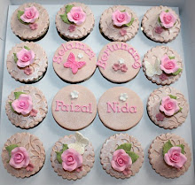 FONDANT ENGAGEMENT CUPCAKES