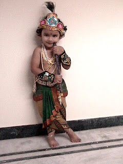 Krishna In Fancy Dress http://krithikabrao.blogspot.com/2007/03/krishna-fancy-dress.html