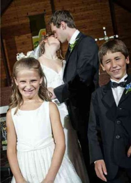 OMG Funny Wedding Photos