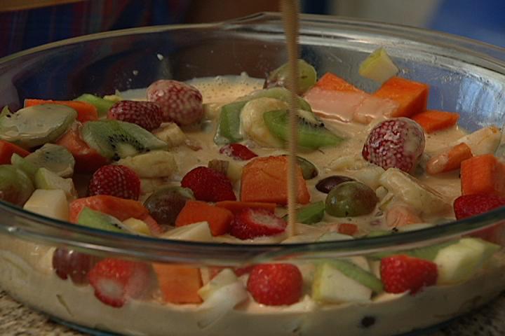 Como Fazer Uma Salada De Frutas Deliciosa