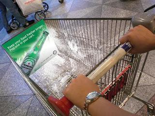 http://3.bp.blogspot.com/_HGLPeYqnfG8/SDuotu1fMgI/AAAAAAAAABs/F3rxffHemmo/s320/trolley.jpg