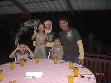 Keluargaku yang sentiasa ceria & bahagia selalu