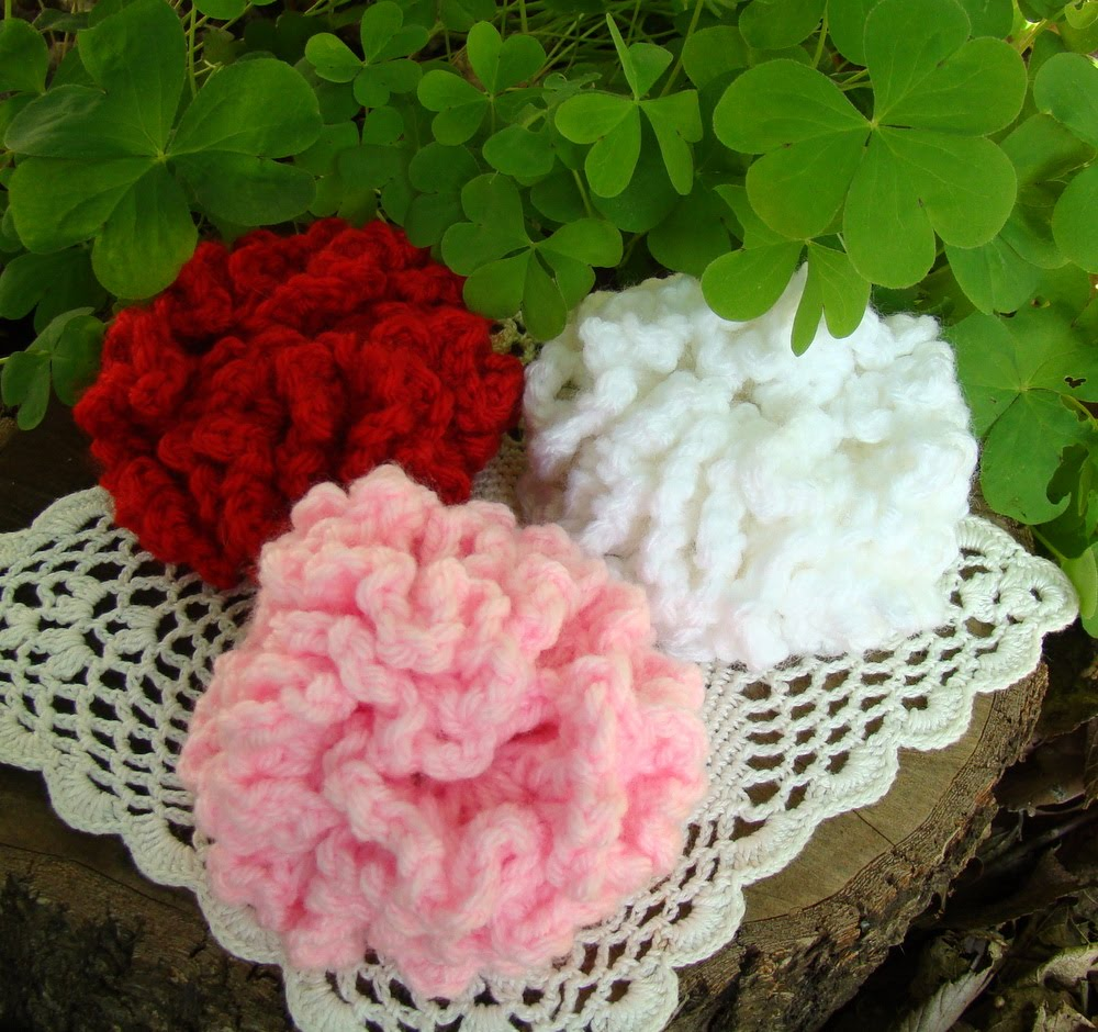 Along magnolia lane carnations for mom the carnation is traditionally the symbol of mothers day with a red or pink one being worn if ones mother is living and a white one if she is no longer biocorpaavc