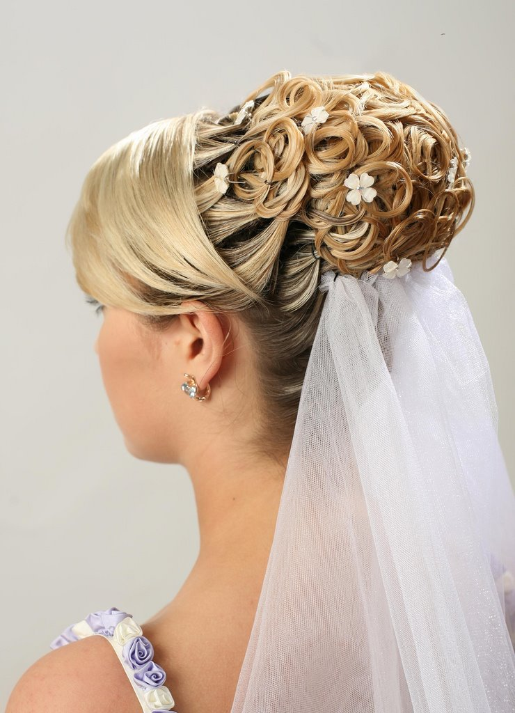 Bridesmaid updo hairstyle is the ideal hairstyle for bridal party.