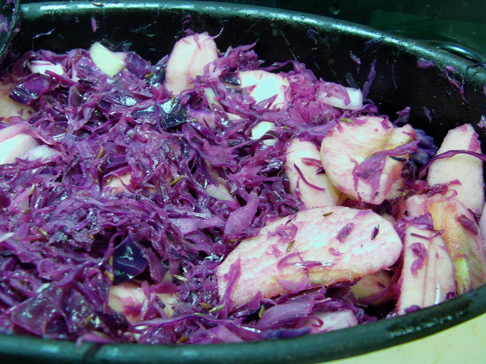 how to cook red cabbage with red currant jelly