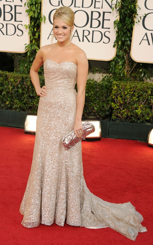 carrie underwood golden globes dress. Carrie Underwood (Badgley