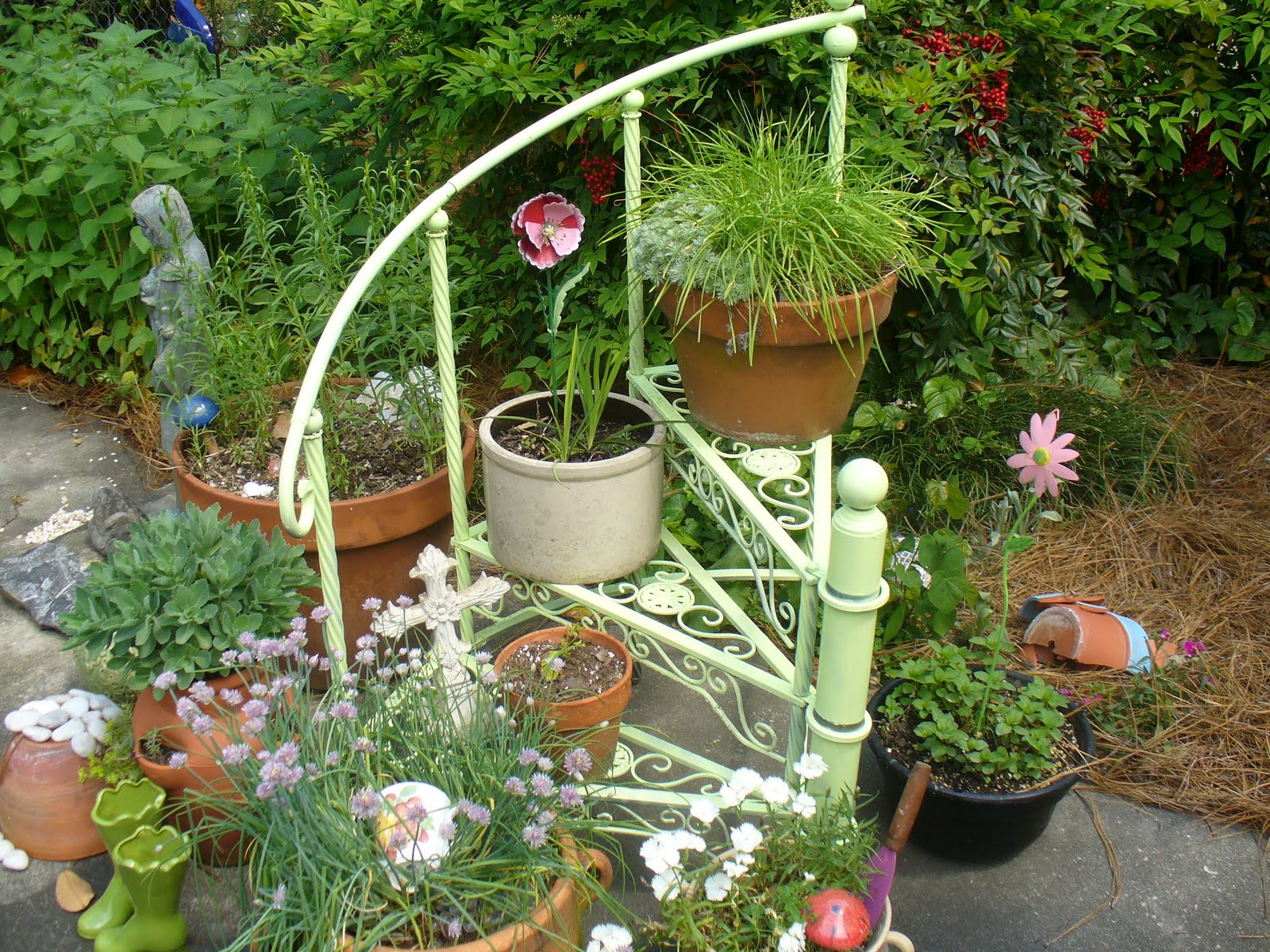 The country diary of a southern lady whimsical garden for Bottle garden ideas