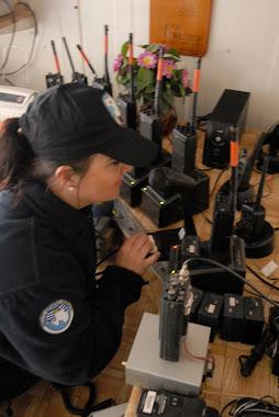 Así se trabaja en el Centro de Comunicaciones de la Base Científica Antártica Artigas