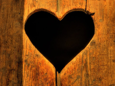 Labels: black background, heart, love, love abstract, valentine pictures,