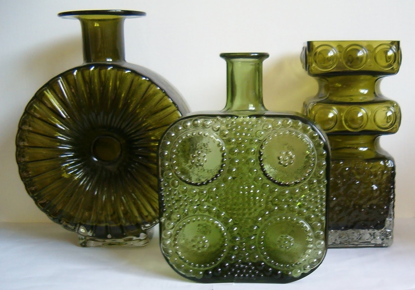WHITEFRIARS GLASS/WANNABEES: May 2010