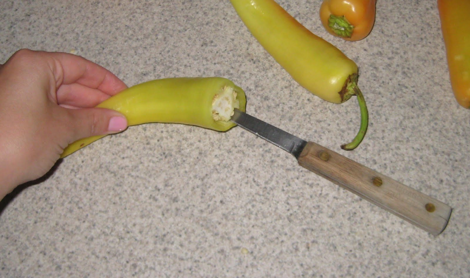how to cut a pepper properly