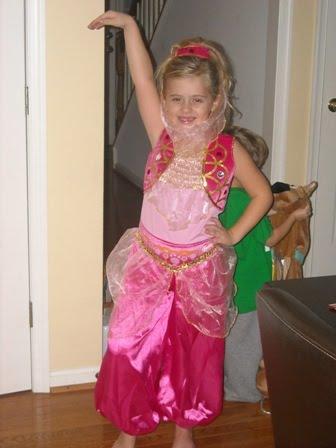 "Taylor as ""Genie""!!!"