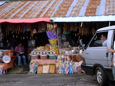 souvenir shop in bedugul