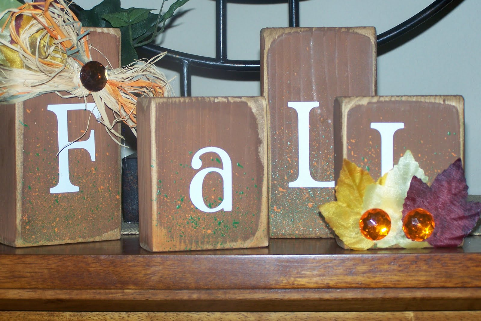 Too cute n crafty new holiday wood crafts for 2010 for Where to buy wood blocks for crafts