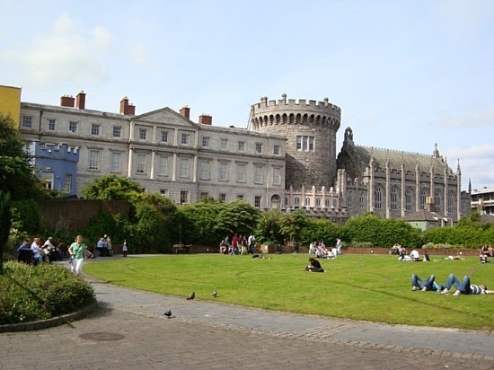 irish eyes tour  dublin castle complex