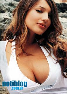 Carolina Pampita chica latina