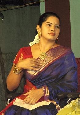 tv deepa venkat in saree hot images