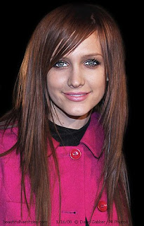 Long Straight Cut, Long Hairstyle 2013, Hairstyle 2013, New Long Hairstyle 2013, Celebrity Long Romance Hairstyles 2111