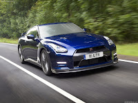 Nissan GT-R (2011) Auto Zone Video