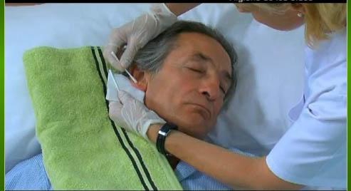 Higiene de oídos del paciente encamado. | APUNTES AUXILIAR ...