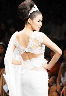 Shruti Agarwal walks on ramp