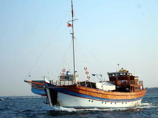barco pesquero Estrecho del Bósforo