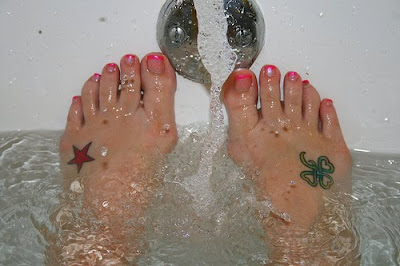 shamrock tattoos,star tattoos on feet
