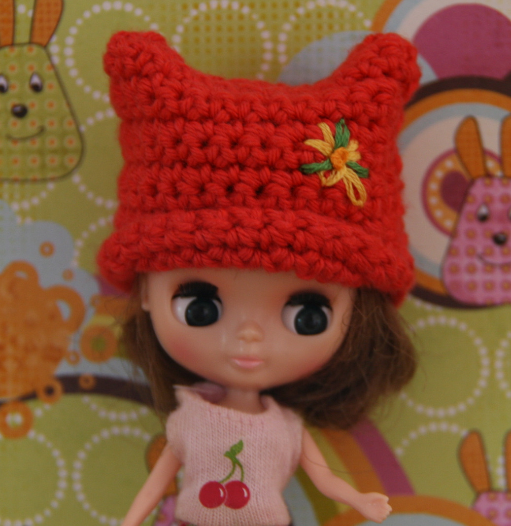 Crochet Hat Pattern For Blythe : No Life Without Wife: Petite Blythe crochet square hat