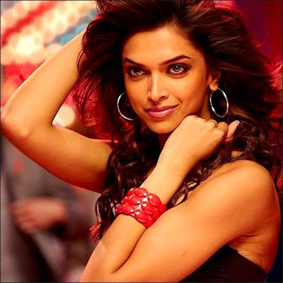 Deepika pics in Housefull