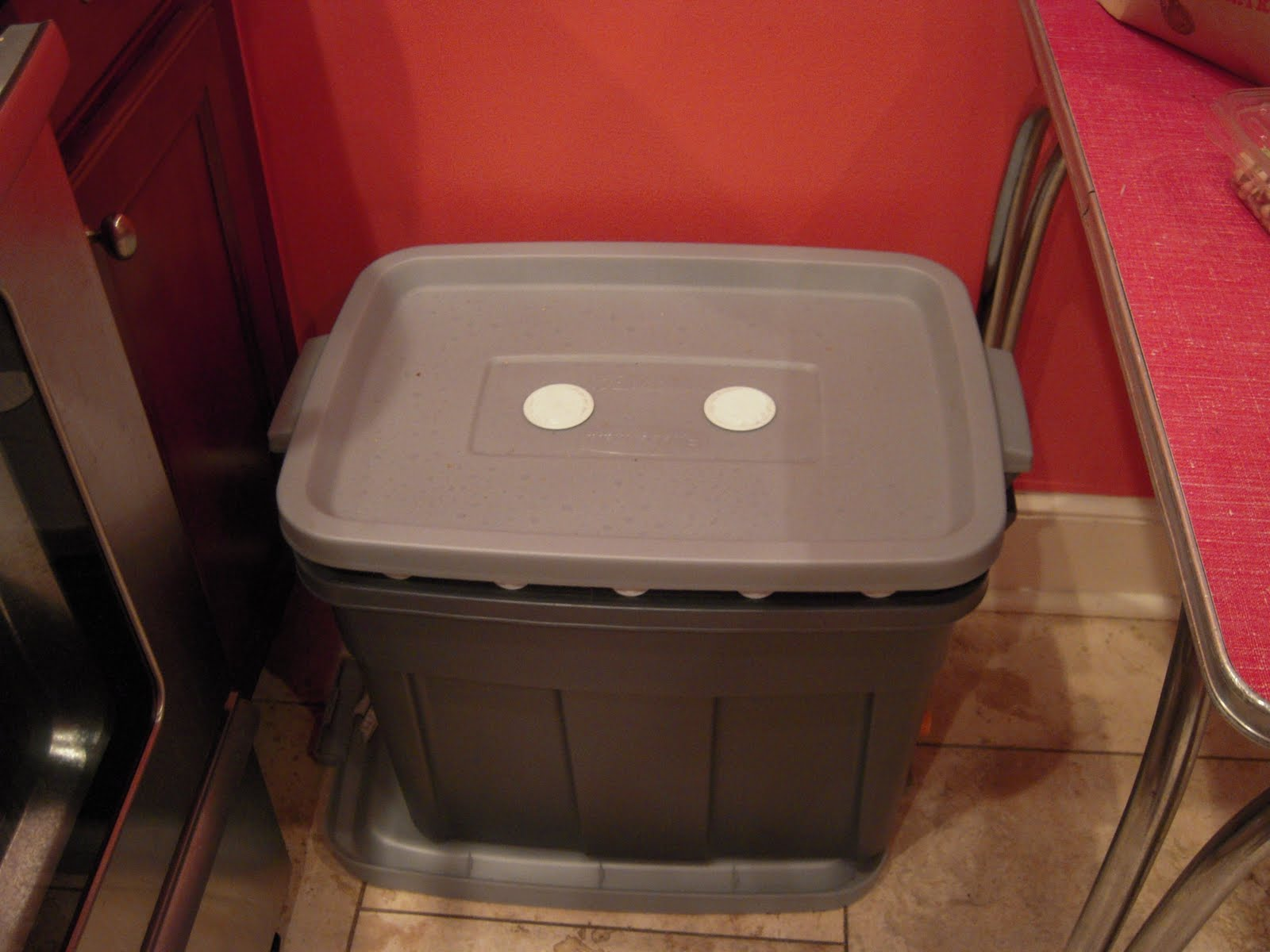 The fascinating Compost bin for kitchen picture