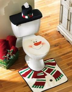 House of decor decorating the bathroom for christmas