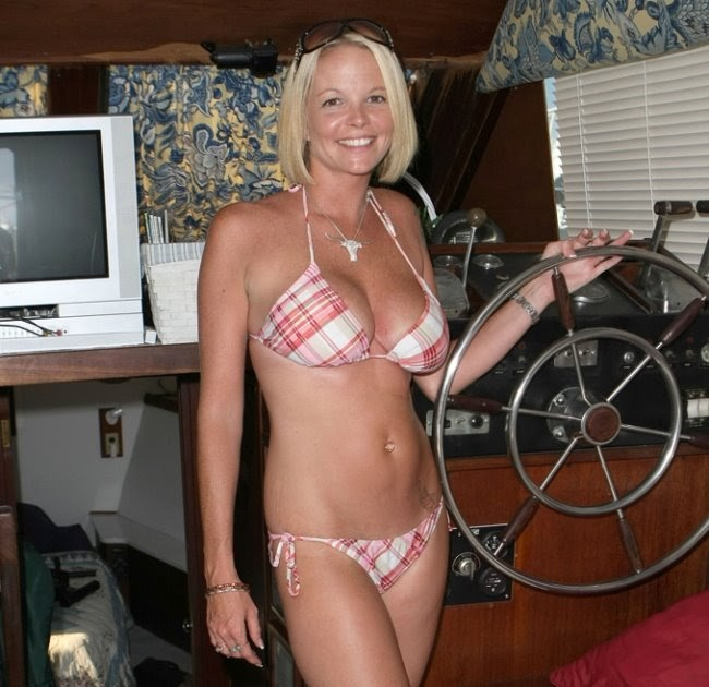 bikini teacher in Charter boat