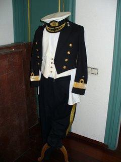 traje de capitan