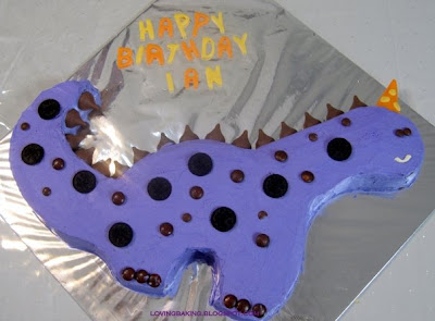 dinosaur cake template .